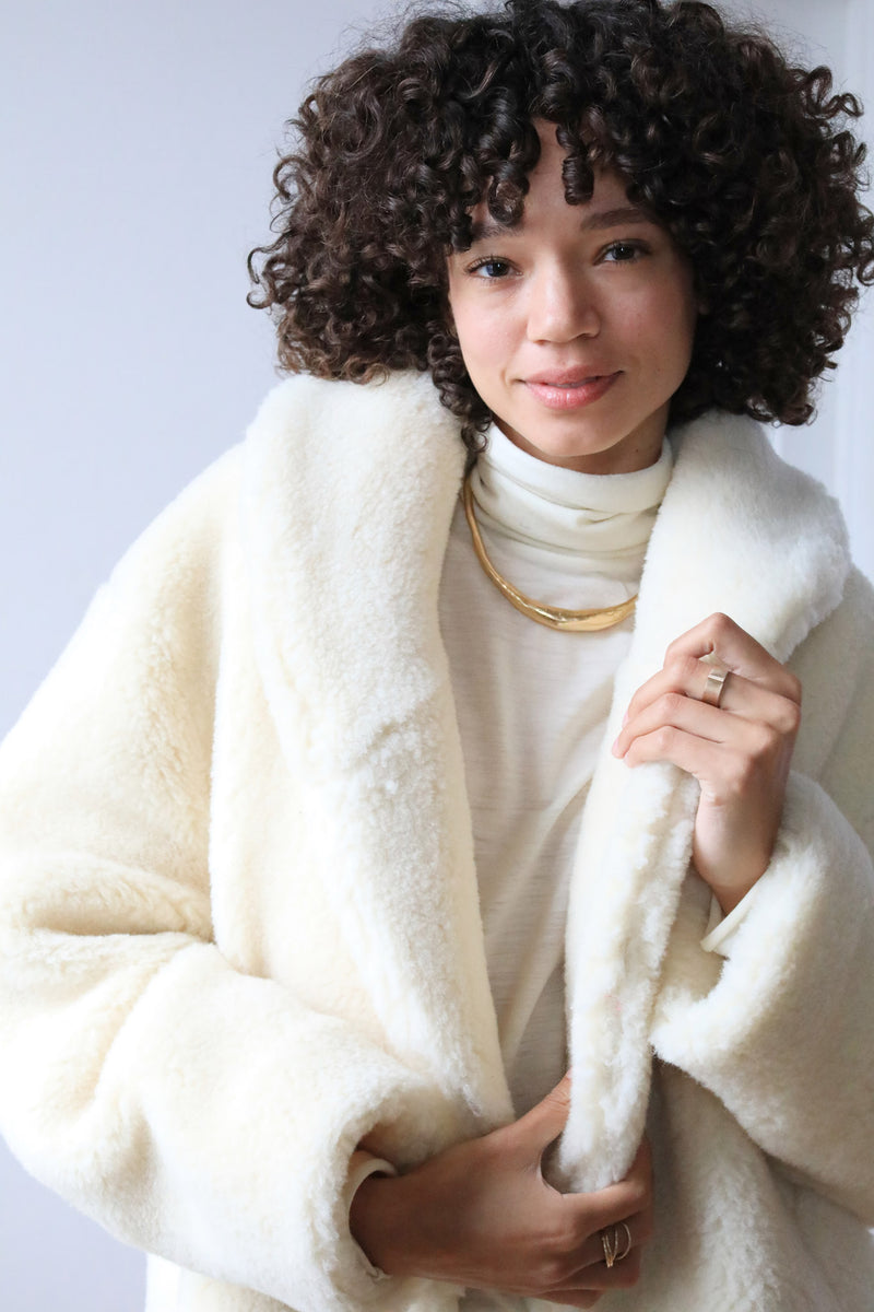 Arielle sustainable fashion Medea coat vegetarian shearling merino wool