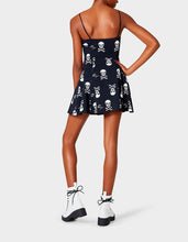 BETSEYS VINTAGE INSPIRED FIT AND FLAIR DRESS BLACK-WHITE - LYCRA 2021 - Betsey Johnson