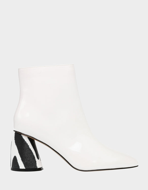 REGIE WHITE - SHOES - Betsey Johnson