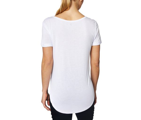 FIT TO BE FREE VISCOSE SIDECUT TEE WHITE - APPAREL - Betsey Johnson