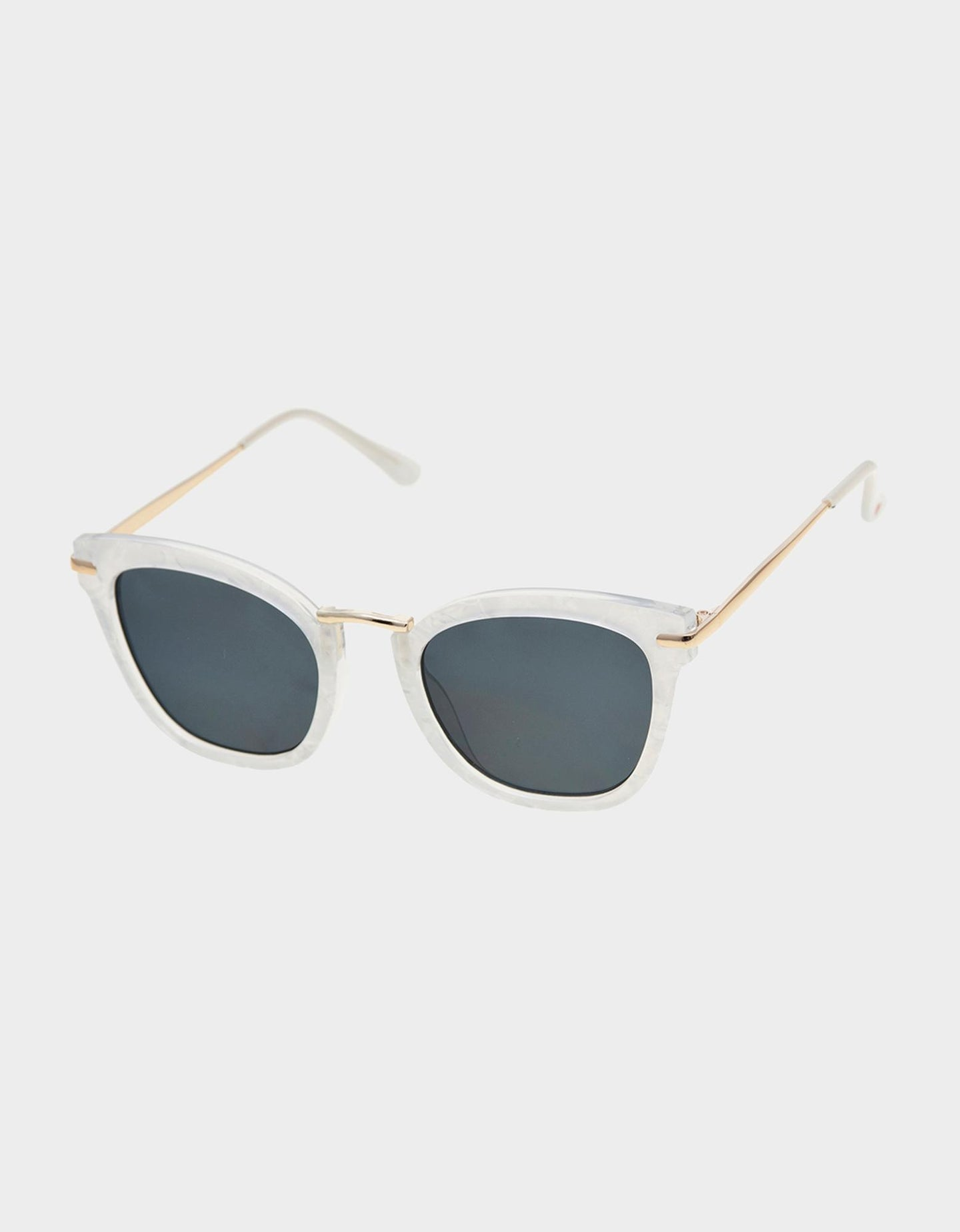 IN THE DETAILS SUNGLASSES WHITE - ACCESSORIES - Betsey Johnson