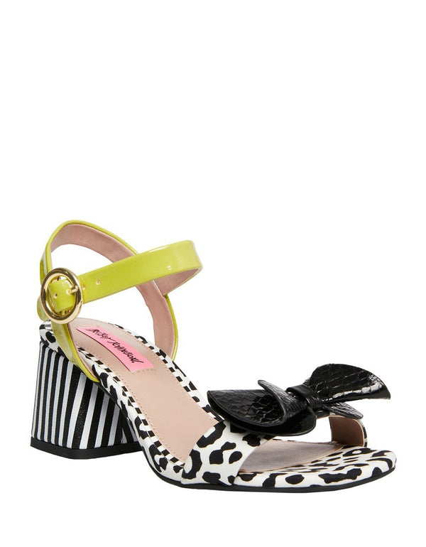 LANORE BLACK-WHITE - SHOES - Betsey Johnson