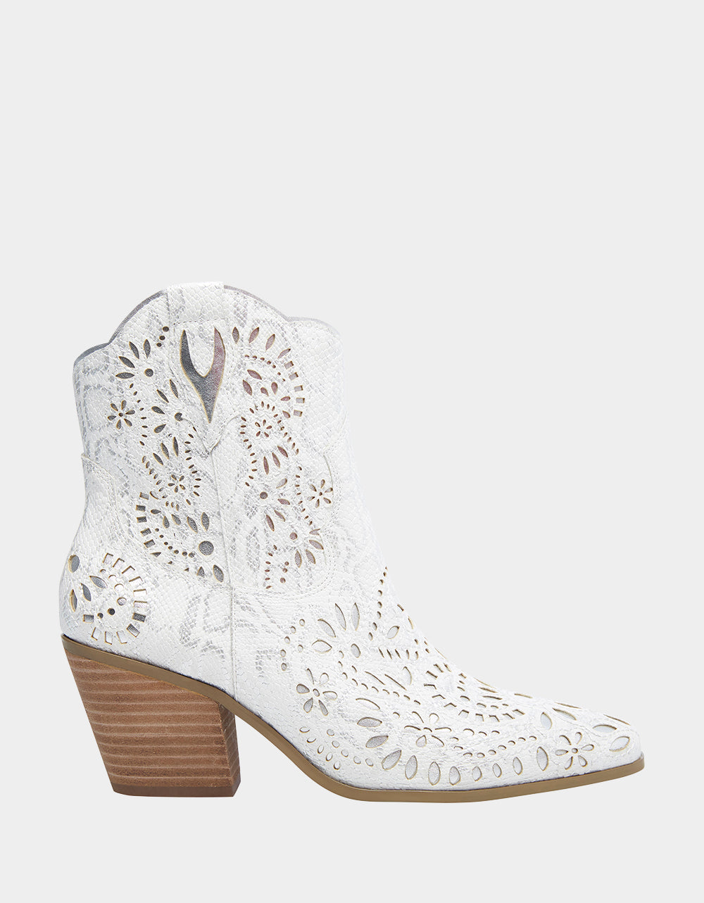 MOZART WHITE - SHOES - Betsey Johnson