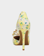 PRINCE-P YELLOW - SHOES - Betsey Johnson