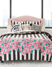 ROMANTIC ROSES TWIN COMFORTER SET PINK - BEDDING - Betsey Johnson