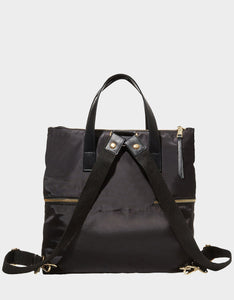 RUFFLE ME UP BACKPACK BLACK