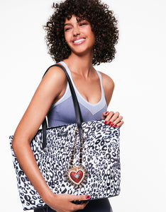 BETSIFIED TOTE WITH NECKLACE CHARM BLACK/WHITE