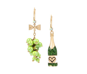 SUMMER PICNIC WINE MISMATCH EARRINGS GREEN