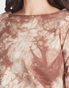 TIE DYE SPLIT BACK TOP MOCHA