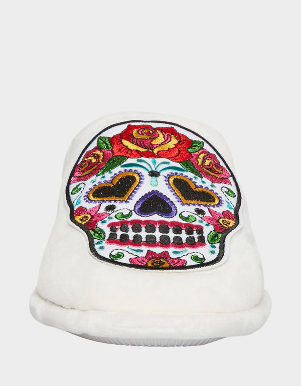 9-10 Details about  /Betsey Johnson White Sugar Skull Scuff Slippers Women/'s Size Large NEW