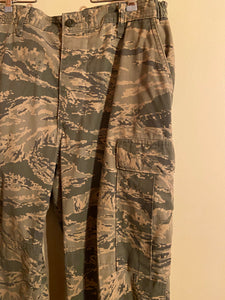 Air Force Combat Mens Utility Pixel Camouflage 34 Reg DSCP Military