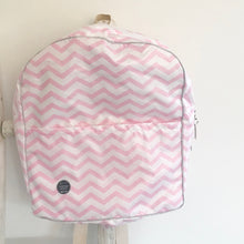 Load image into Gallery viewer, Mochila grande CHEVRON rosa