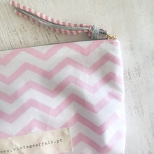 Load image into Gallery viewer, Bolsa XL CHEVRON rosa