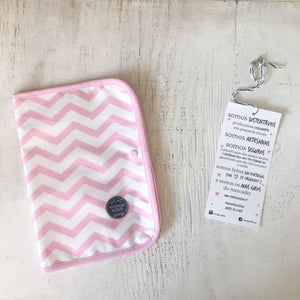 Porta documentos PINK CHEVRON