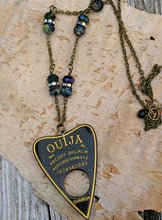 Load image into Gallery viewer, Ouija Planchette Necklace - Minxes' Trinkets