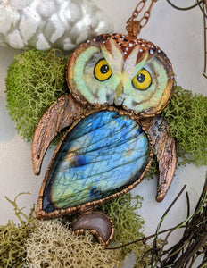 Electroformed Boreal Owl with Labradorite and Peach Moonstone - Minxes' Trinkets