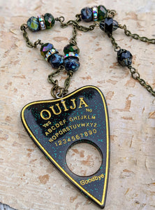 Ouija Planchette Necklace - Minxes' Trinkets