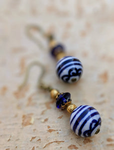 Vintage Blue and White Ceramic Earrings - Minxes' Trinkets