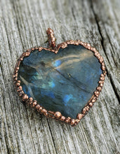 Load image into Gallery viewer, Electroformed Labradorite Heart Necklace I - Minxes' Trinkets