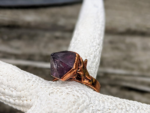 Size 4.5 Amethyst Point Copper Electroformed Ring - Minxes' Trinkets