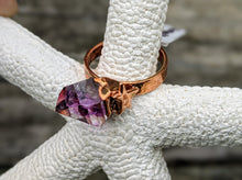 Load image into Gallery viewer, Size 6.5 Amethyst Point Copper Electroformed Ring - Minxes' Trinkets