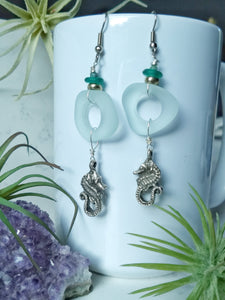 In the Shallows - Seahorse Earrings - Minxes' Trinkets