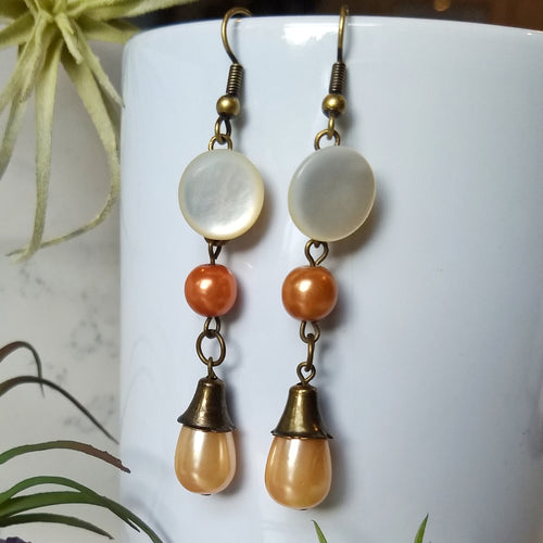 Butterscotch and Caramel - Vintage Pearl Earrings - Minxes' Trinkets