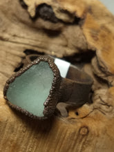 Load image into Gallery viewer, Chesapeake Bay Seaglass Copper Electroformed Ring - Size 9 - Minxes' Trinkets