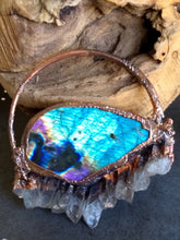 Load image into Gallery viewer, Copper Electroformed Labradorite and Quartz Protection Necklace II - Minxes' Trinkets