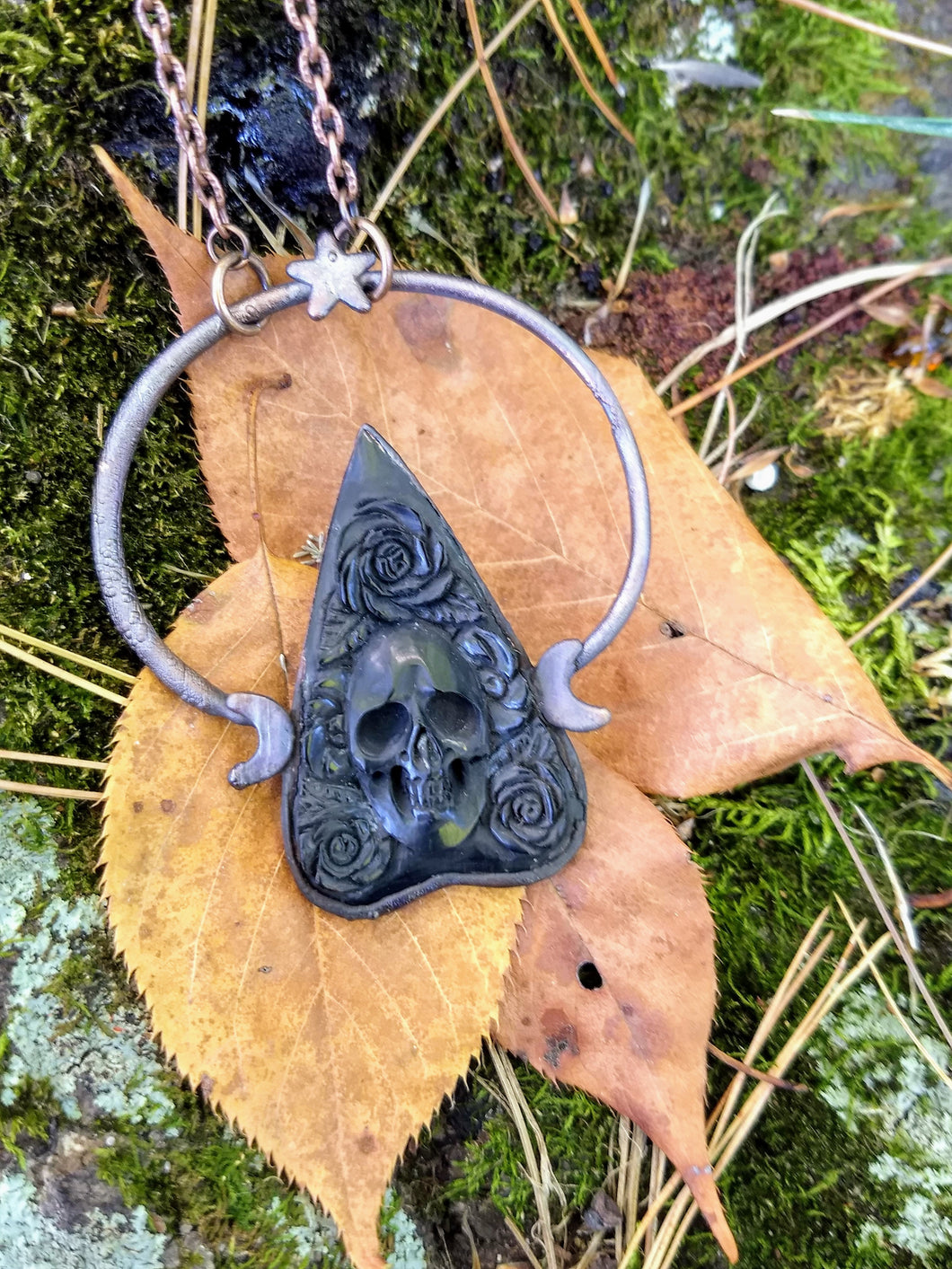 Electroformed Skull and Roses Bone Planchette Necklace - Minxes' Trinkets