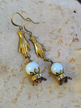 Load image into Gallery viewer, Fortune Teller Crystal Ball Earrings - Minxes' Trinkets