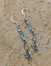 Load image into Gallery viewer, Silvery Squid Earrings - Minxes' Trinkets