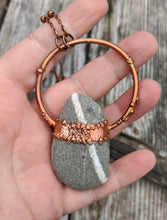 Load image into Gallery viewer, Copper Electroformed Welsh Beach Pebble Worry Stone Necklace V - Minxes' Trinkets