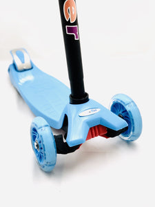 Kids 3 Wheel Scooter with LED Motion Lights Blue Age 4+ HALF PRICE