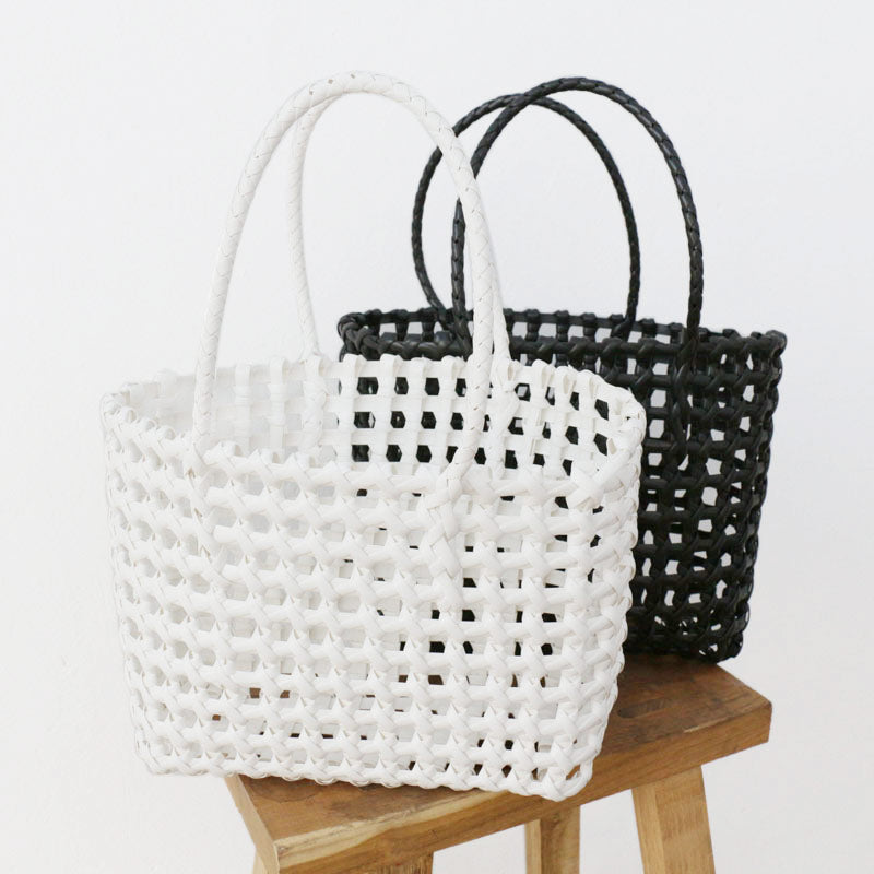 Green vegetable Woven basket bag moooden