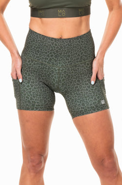 MALO little bit longer shorts - panther