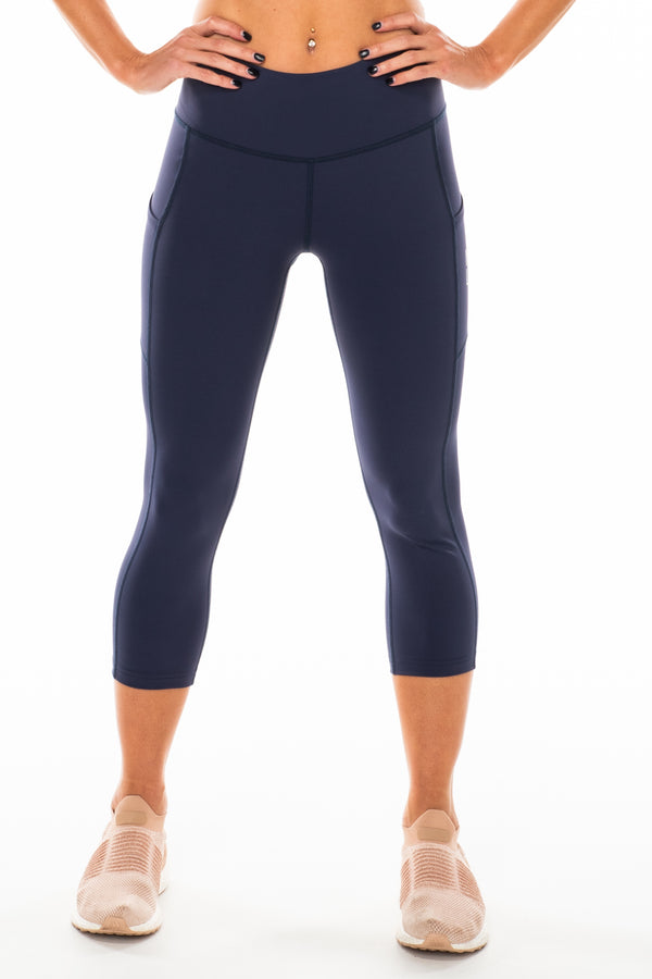 Navy Pacer 3/4 Leggings. Navy athleisure leggings.