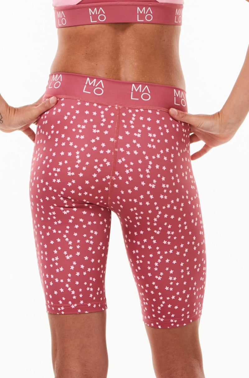 Close back view of Nantucket Bloom Pedal Pumpers. Pink waistband with 'MALO' logo wrapping around.
