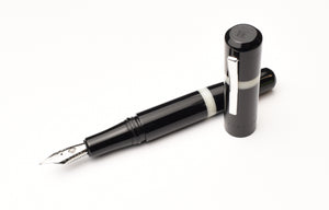 Model 19 Black & Creme' Fountain Pen