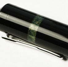 Load image into Gallery viewer, Model 19 Black & Diamondcast Green Fountain Pen