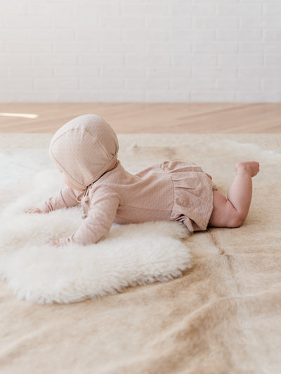 pointelle baby bonnet | rose