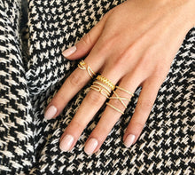 Triple Claw Ring - Yellow Gold Lifestyle Photo