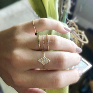 Pavé Diamond Chain Ring - Lifestyle Photo