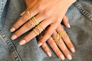 Double Arrow Ring - Yellow Gold Lifestyle Photo