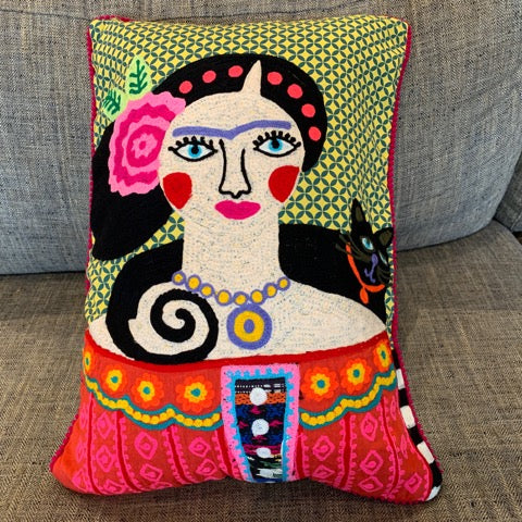 Frida Pillow – Frida with Black Cat