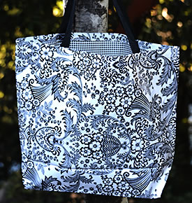 Mexican Oilcloth Market Bag – Paradise on Black & White