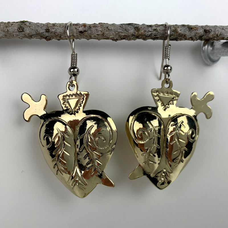Milagro Heart Earring with Spear
