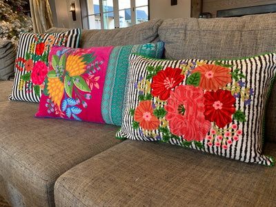 Frida's Livingroom – Striped Bouquet Square Pillow