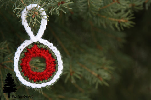 Christmas Wreath Ornament from Pine Tree Crochet