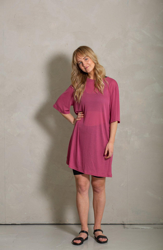 Try on our sustainable clothing Dress Juniper Dress - Cerise - MORICO
